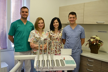SmileKlinik dentist team